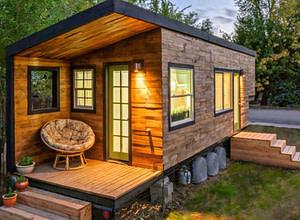 Adaptable Tiny House Living